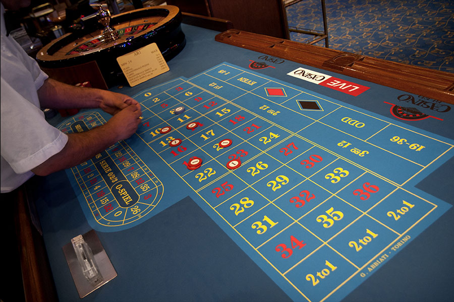 How To Play Casino Table Games